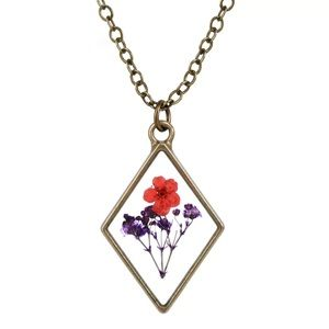 NWOT Dried Pressed Flower in Resin Glass Necklace